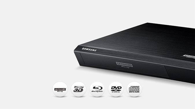 Odtwarzacz UHD Blu-ray K8500, umieszczone pod nim ikony: Ultra HD Blu-ray, Blu-ray 3D, Blu-ray disc, DVD, CD disc.